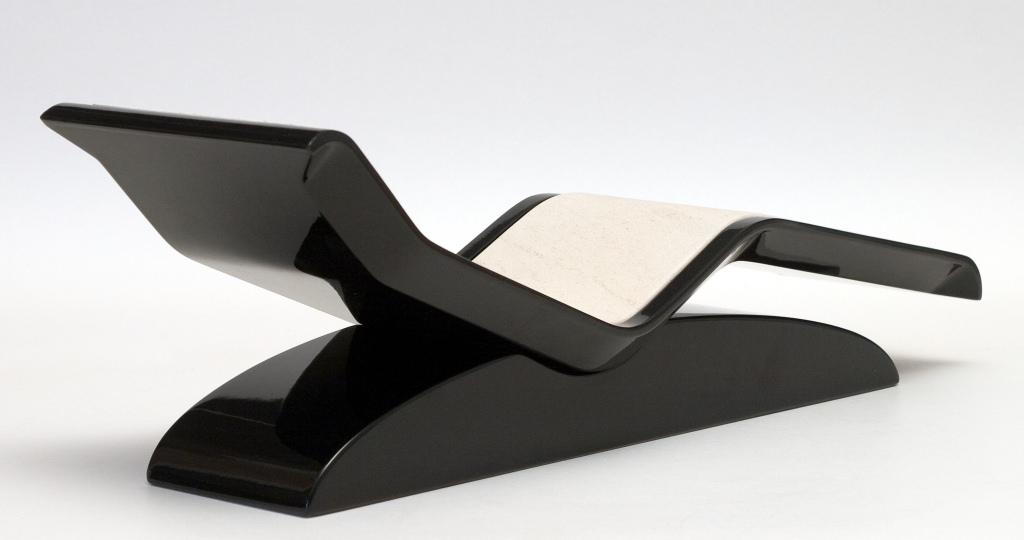 Heated marble lounger custom heated spa chaise longue for Chaise longue salon